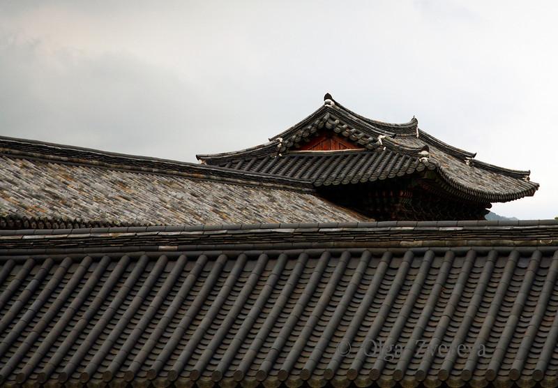 <p>Roofs, Bulguksa Temple, Gyeongju, South Korea</p>