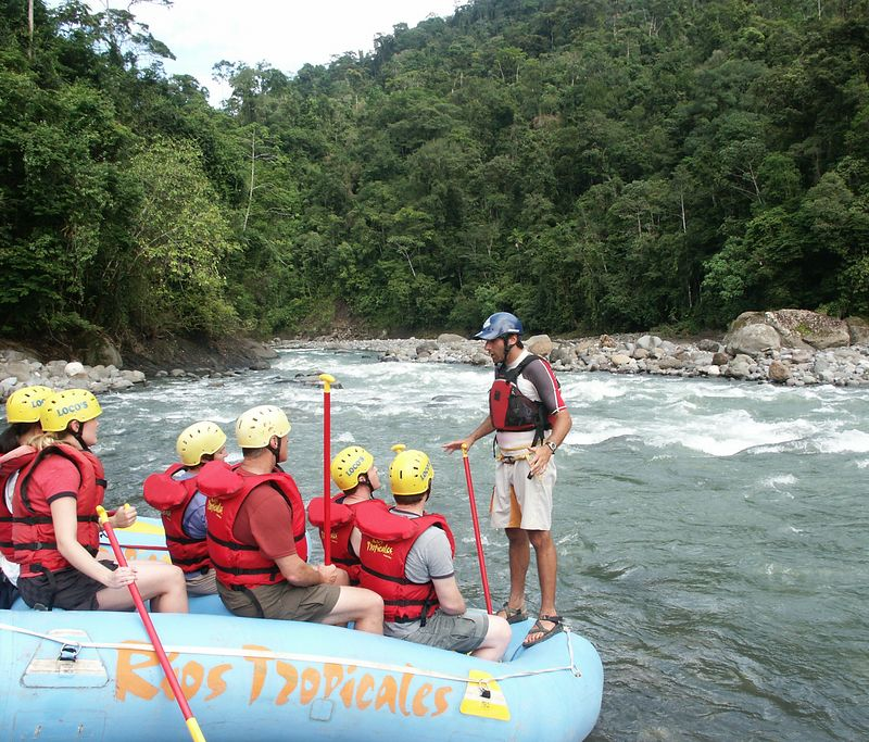 Pacuare River (overnight water rafting): Ready for the first rapid (Class 3).