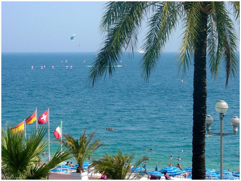 Aquatic activities in the Bay of Angels