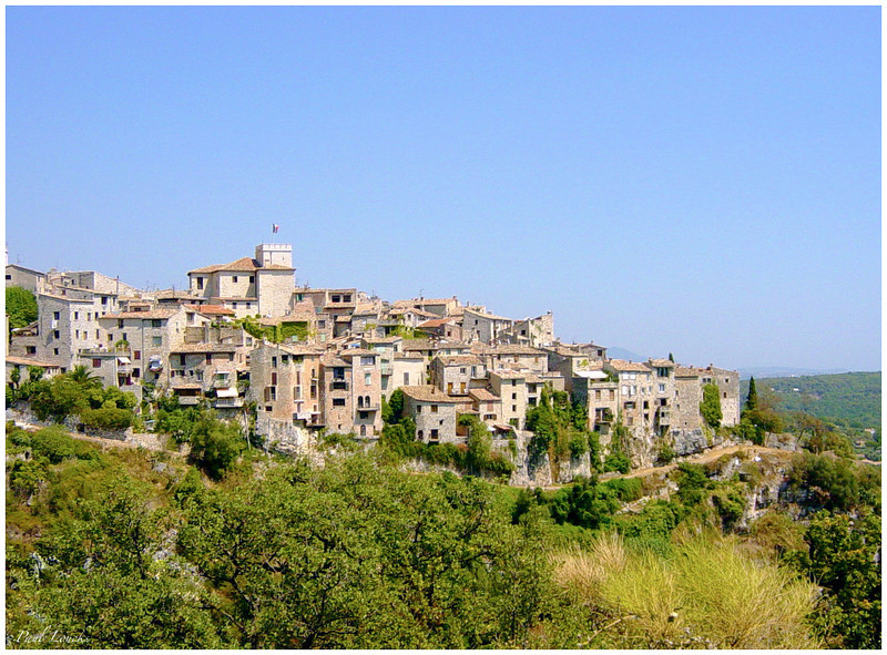 The perched village of Tourrettes-sur-loop above Nice