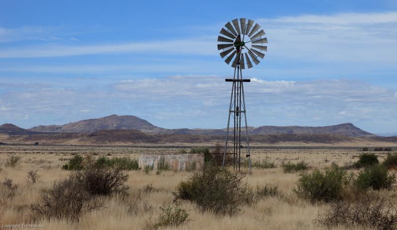 Karoo: Windmill N1 Three Sisters