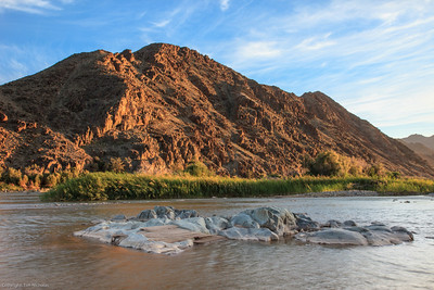 Sunrise at Potjiespram campsite (on the Orange river)