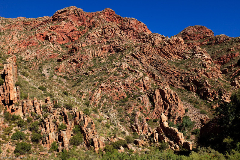 Swartberg Pass, twisted and tortured rock formations