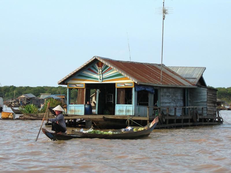 Vietnamese floating village outside Siem Reap