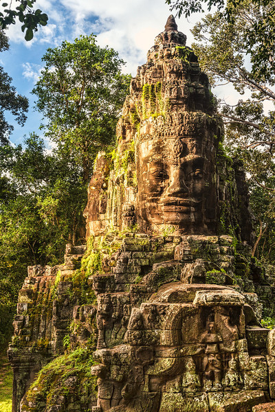 Angkor Tom Enterance