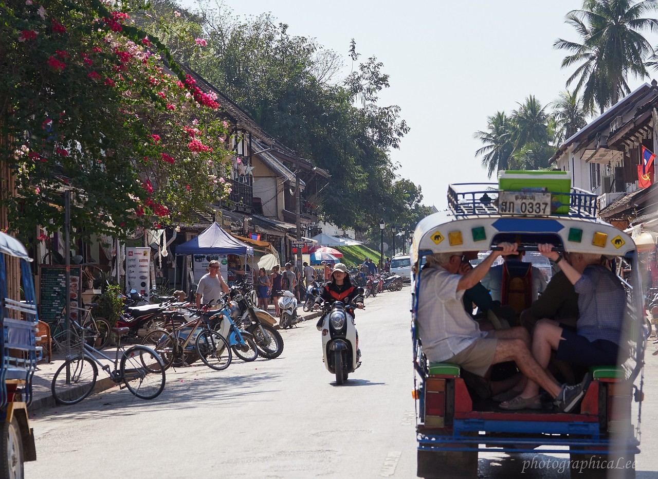 Some say PDR stands for people don't rush in Laos