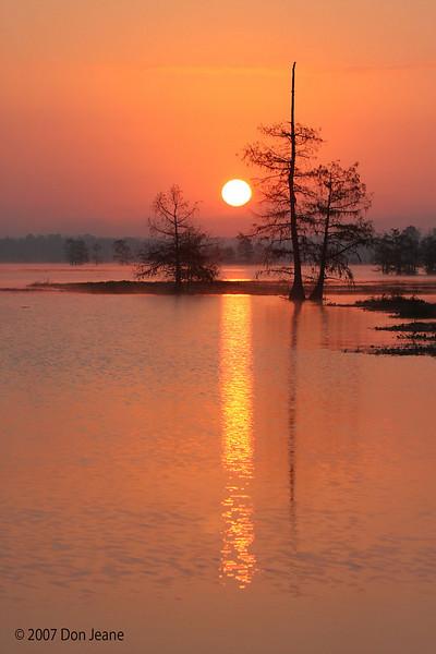 Morning sunrise, Steinhagen Lake, Oct 31, 2007.