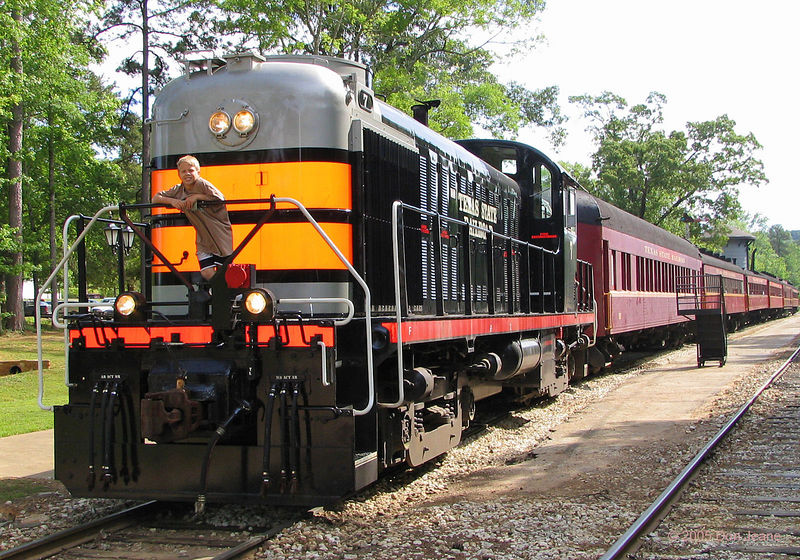 Texas State Railroad, Rusk / Palestine. New engine for 2005.