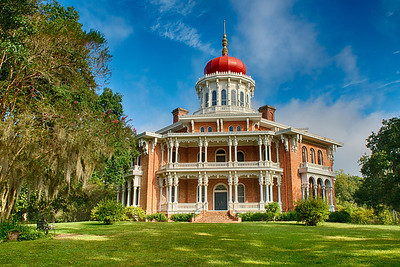 Longwood.  Natchez, MS.  A beautiful, octagonal antebellum mansion which was under construction at the onset of the Civil War.  Interior is incomplete as most of the artisans were from the North and returned home when the Civil War started.