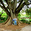 16 Jan & Tom, giant banyon tree, VOC Gardens, Cape Town,IMG_08971
