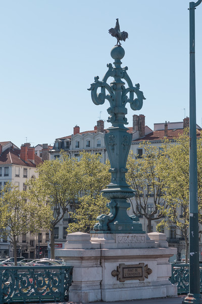 The rooster is a symbol of Lyon