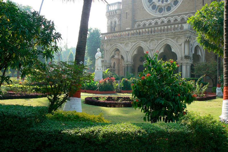 P1020132 Bombay University