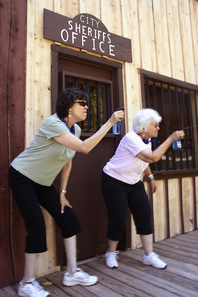 "Shootout with two ""Desperate Housewives"" in Frontier Town, Kanab, Utah"