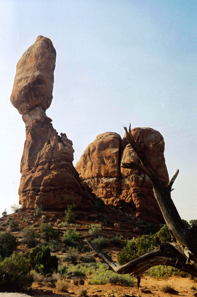 ARCHES NATIONAL PARK, UTAH: Balanced Rock.