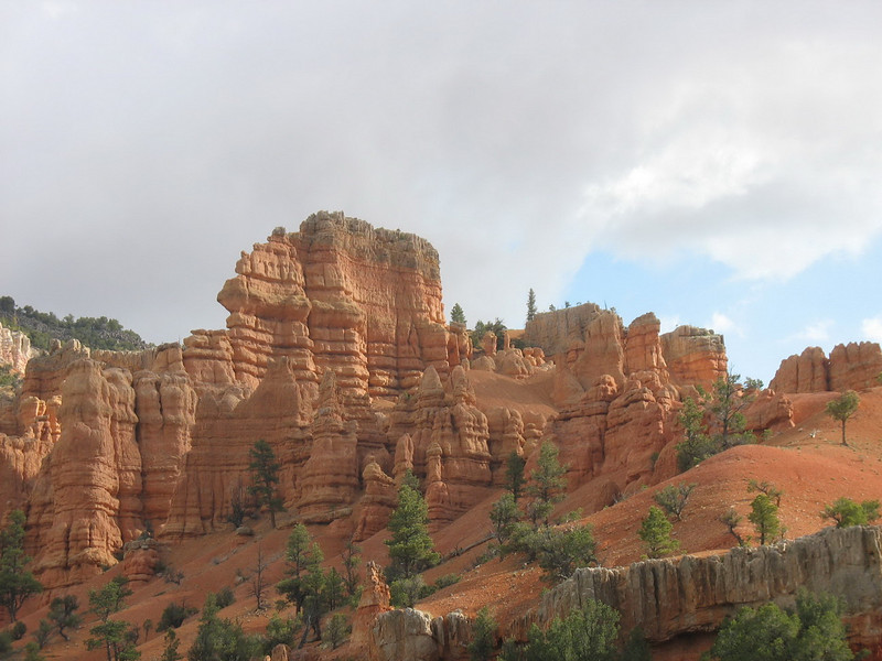 May 26, we left Panguitch fairly early and travelled the short distance to the entrance to Bryce Canyon. Along the route into Bryce, we passed through Red Canyon.