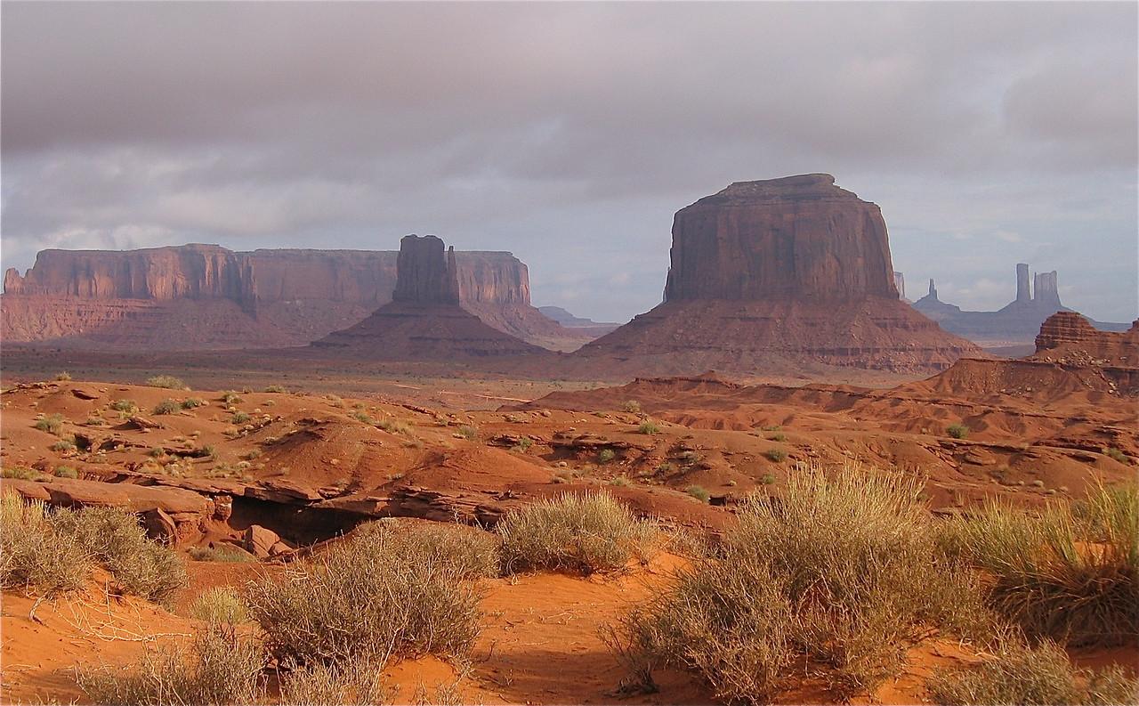 Monument Valley Navajo Tribal Park, Utah, USA.
