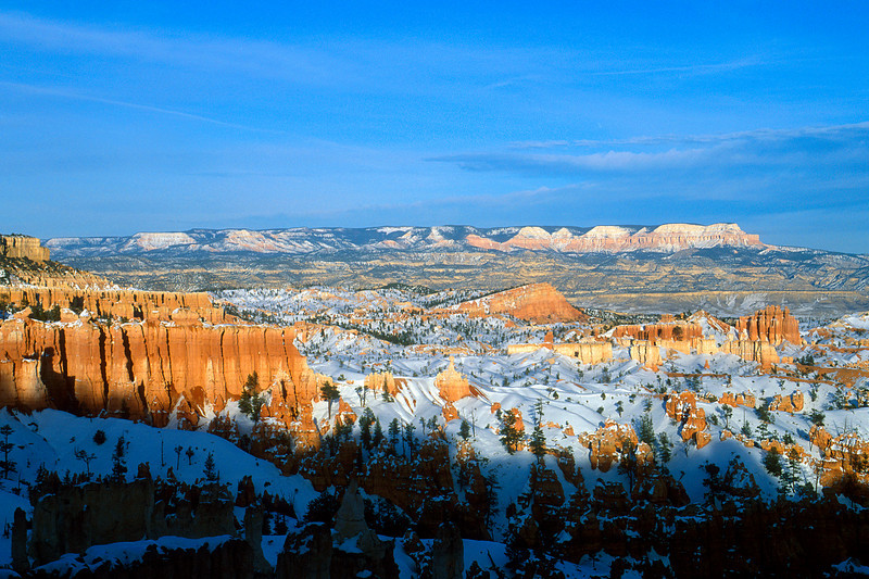 Sinking Ship with Aquarius Plateau in the background, Bryce Canyon National Park.