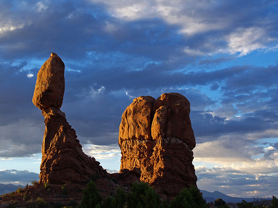 Balanced Rock, early morning