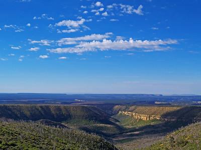 Mesa Verde National Park-Hiking the Petroglyph Point Trail