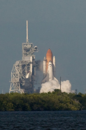 Space Shuttle Atlantis Launch-Zoomed-11/16/09