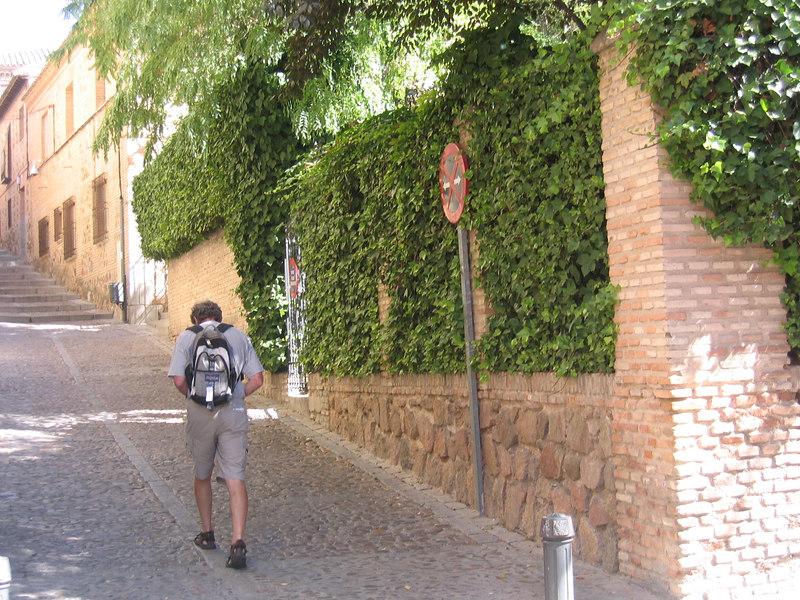 Walking through the Toledo Juderia