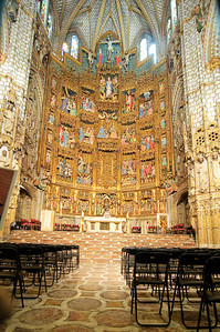 The retable of the Cathedral of Toledo is one of the last examples of the Gothic style which was giving way to the Renesance.  It was built between 1497 and 1504.