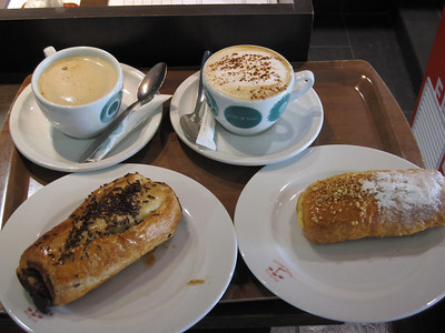 Another low-sugar, low-caffeine Spanish breakfast.