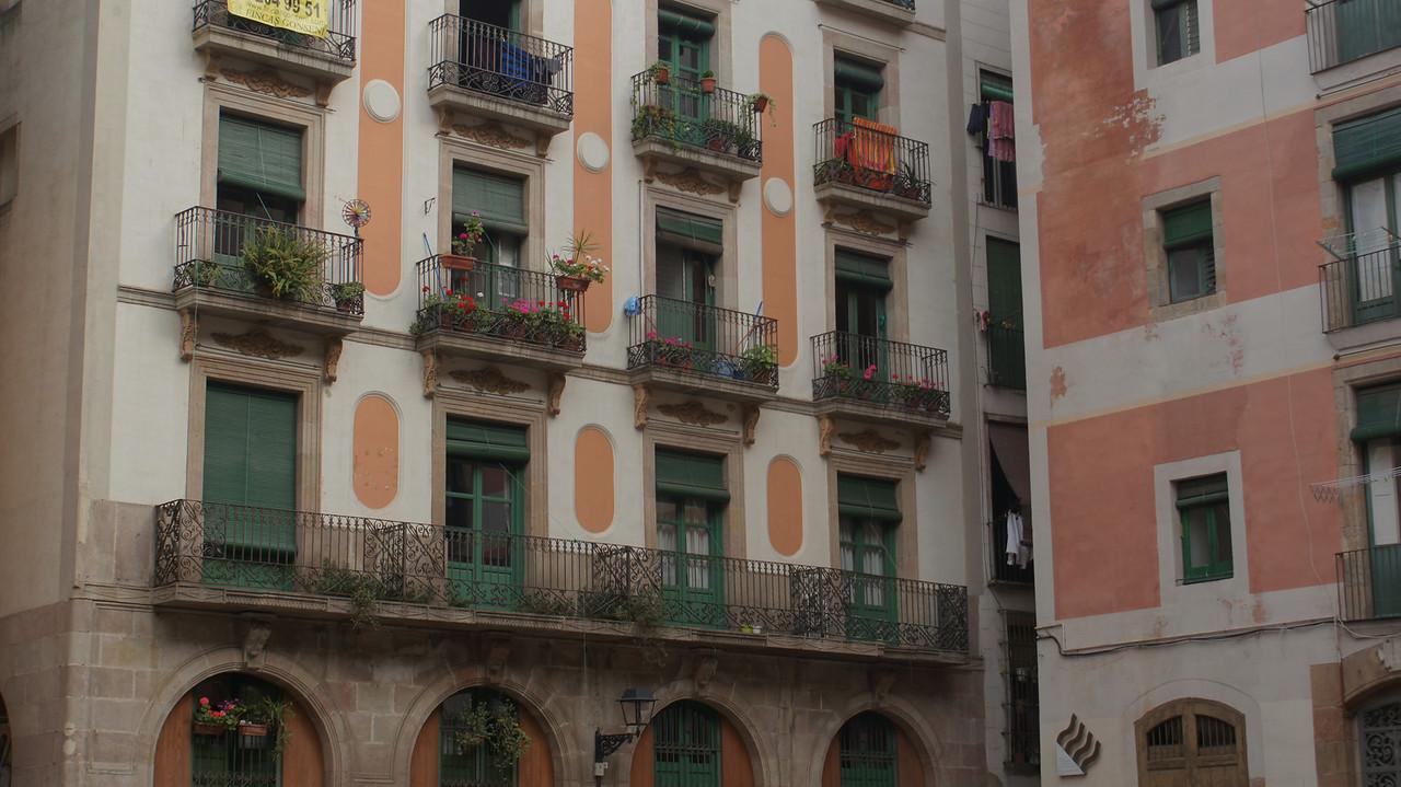 Neighborhood by Santa Maria del Mar.