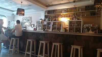 Los Bucaros Bar