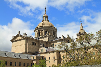 El Escorial - The palace and monastery of San Lorenzo de El Escorial was built between 1563 and 1584 is the burial place of Spanish royalty.