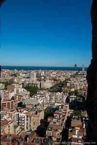 peek from the top of the la sagrada