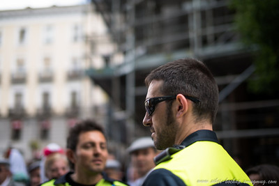 madrid police man (looks damn cool)