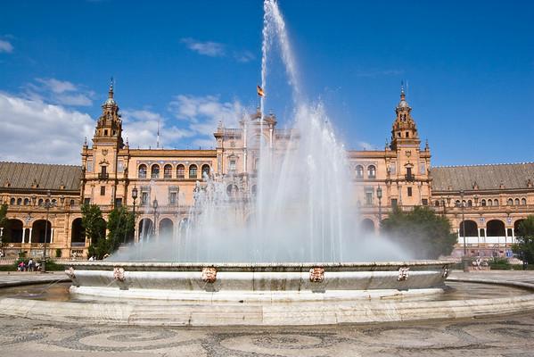 Plaza de Espana Fountain