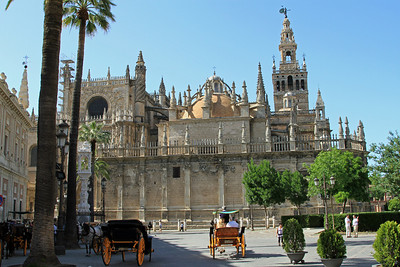 Cathedral and La Giralda - the huge Gothic cathedral and it's Moorish bell tower.