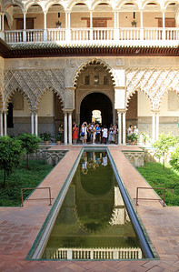 Alcazar - the central pool within Patio de las Doncellas (Patio of the Maidens).