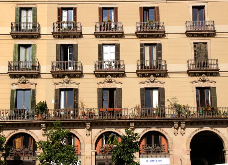 Building by Av. del Marques de l'Argentera La Ribera Barcelona Spain
