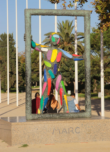 Marc sculpture by Robert Llimos Parc del Port Olimpic Barcelona Spain