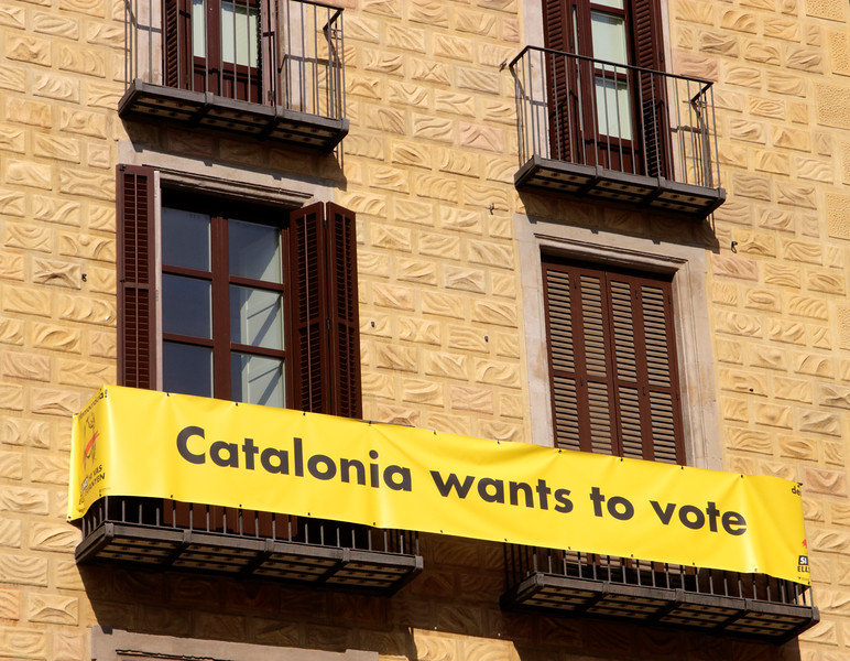 Catalonia Wants to Vote Banner at Placa Sant Jaume Barcelona re Independence Referendum October 2017