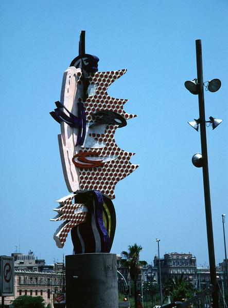 Moll de la Fusta head sculpture Barcelona