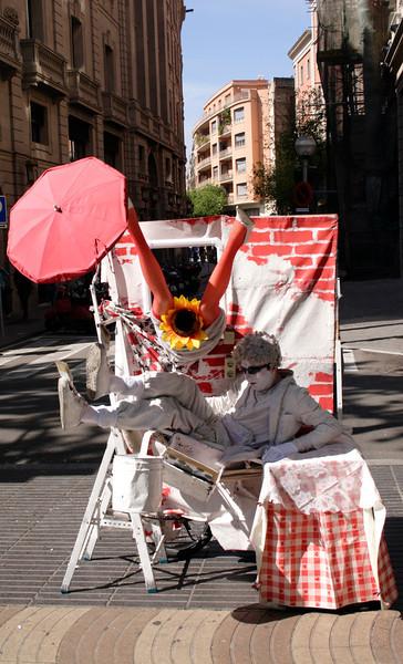 Human statue La Rambla Barcelona