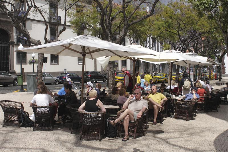 Golden Gate Grand Cafe at Avenida Arriaga Funchal