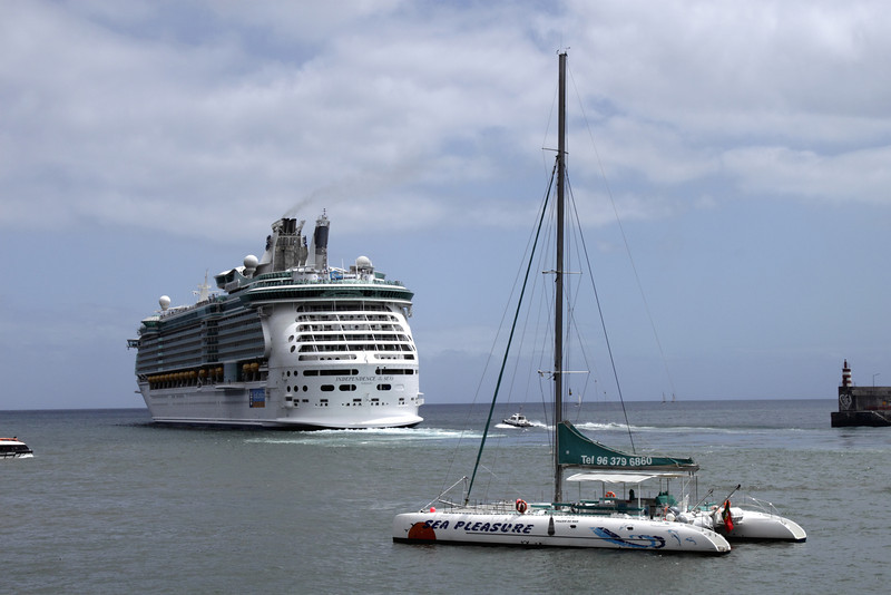 Royal Caribbean International Cruise Liner Independence of the Seas sailing out from Funchal harbour