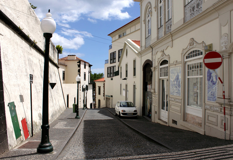 Alley off the Avenida Arriaga Funchal Madeira