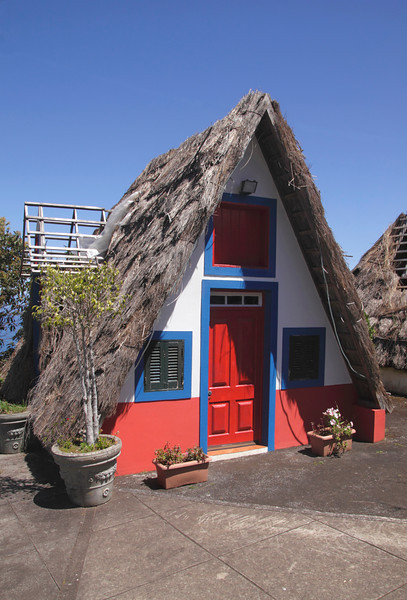Traditional Palheiro thatched cottage Cabanas Madeira