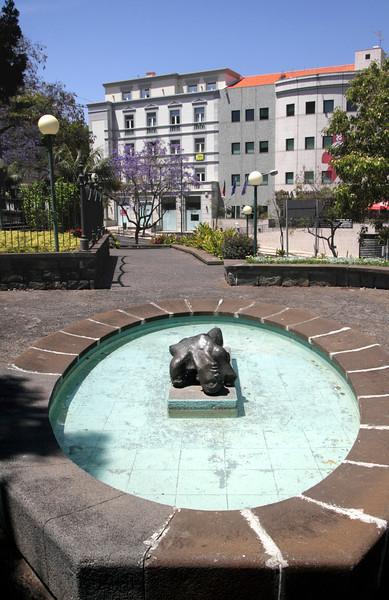 Torso de Mulher sculpture by Ricardo Jorge Abrantes Velosa Funchal Madeira