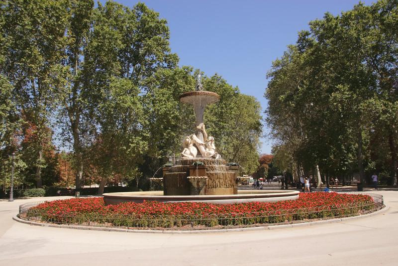 Fountain in Parque del Retiro Madrid Spain
