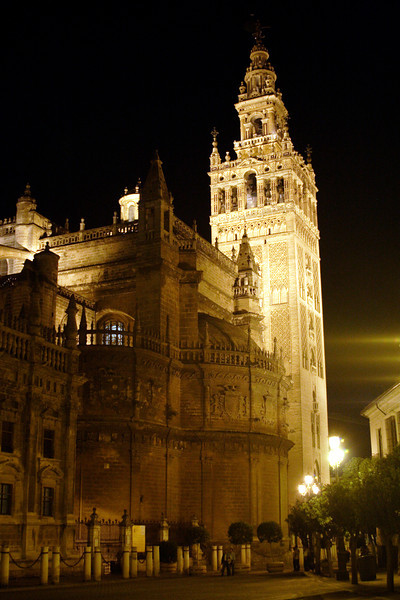 Seville cathedral and La Giralda bell tower at night
