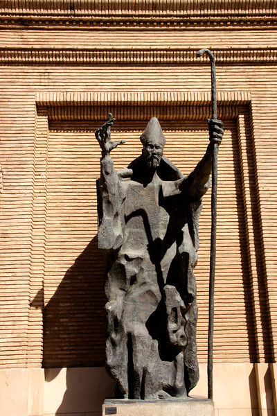 Statue by entrance to City Hall Zaragoza Spain