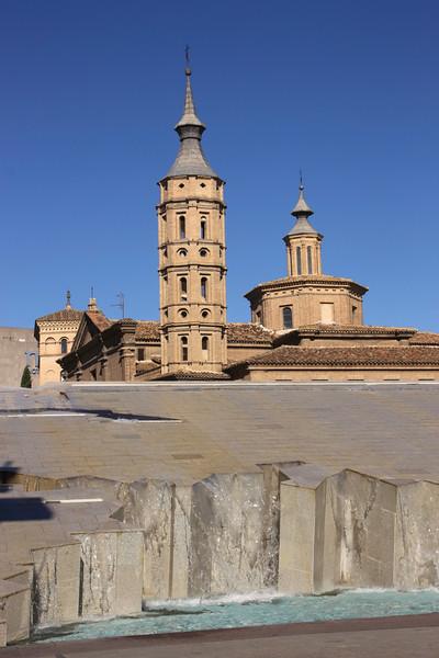 Fountain Plaza del Pilar Zaragoza Spain