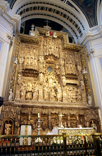 Altar inside Basílica de Nuestra Señora del Pilar Zaragoza Spain